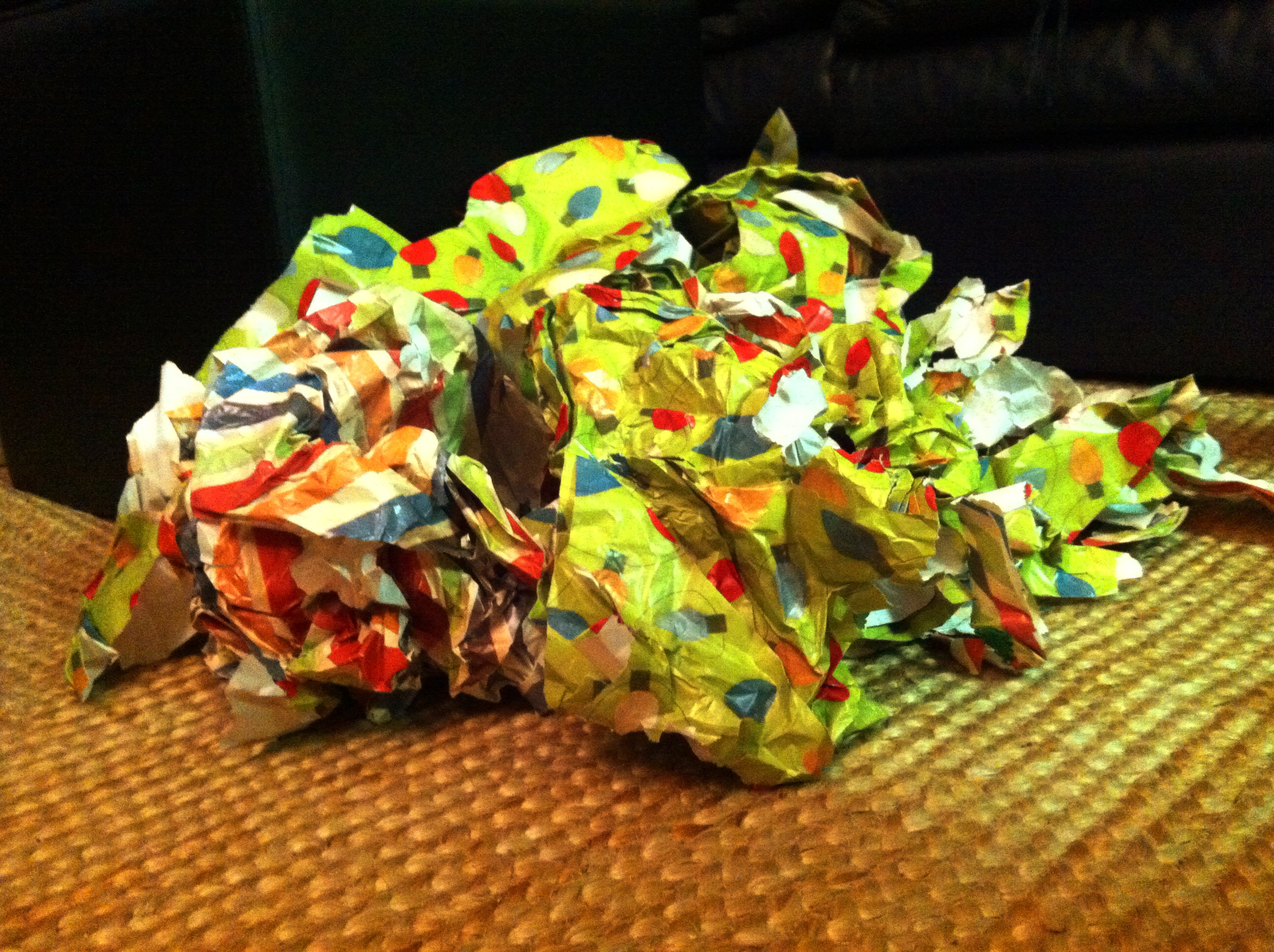 Wrapping Paper Ball | Christmas Freak